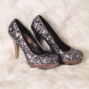 Madden Girl Sequined pumps
